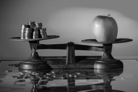 Investir sur les marches actions : PEA, assurance vie, et pourquoi pas les deux