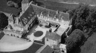 Prix de Sauvegarde VMF: la Caisse d'Epargne soutient la restauration du Château de Sixte (Moselle) et du Château de Lys (Nièvre)