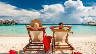 Carte bancaire: les bons réflexes pour des vacances tranquilles